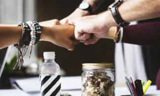 Comment construire une relation fructueuse entre commerciaux et marketeurs ?