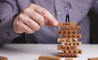 Comment faire adhérer des commerciaux au CRM ?